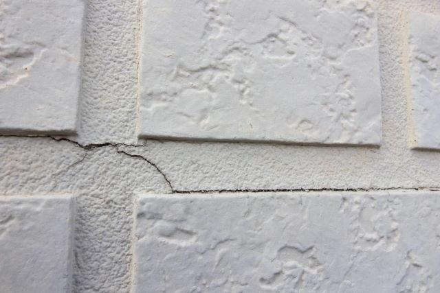 壁のひびわれ